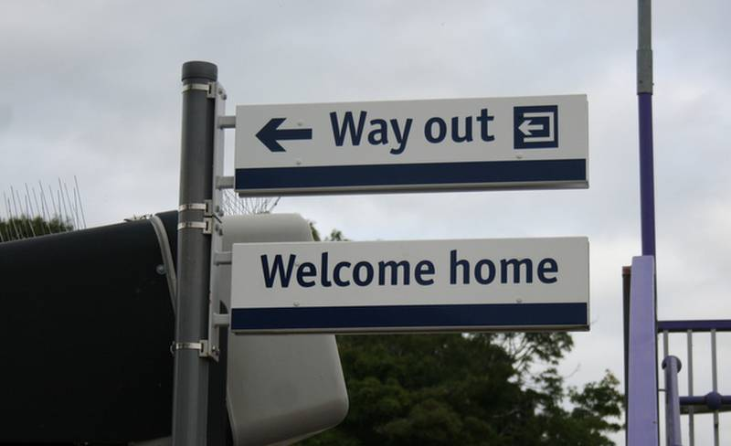 Anthony Schrag - Welcome home sign